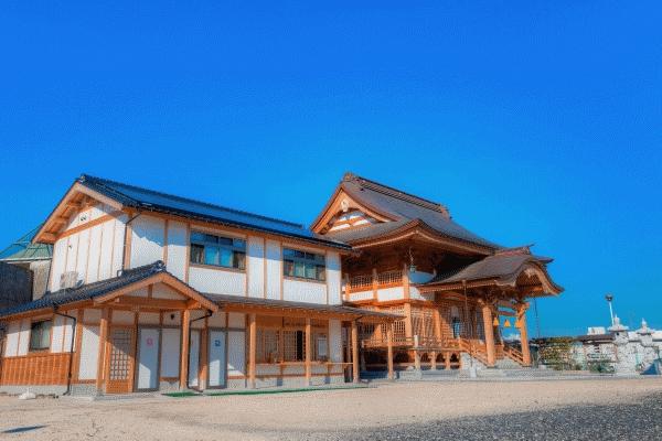岩国白蛇神社の外観