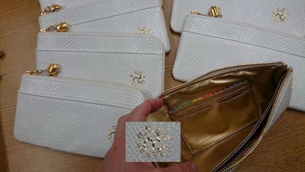 金持神社の白蛇財布